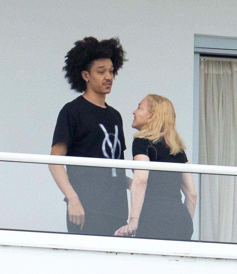 Madonna 35 yaş küçük sevgilisiyle görüntülendi - Sayfa:2
