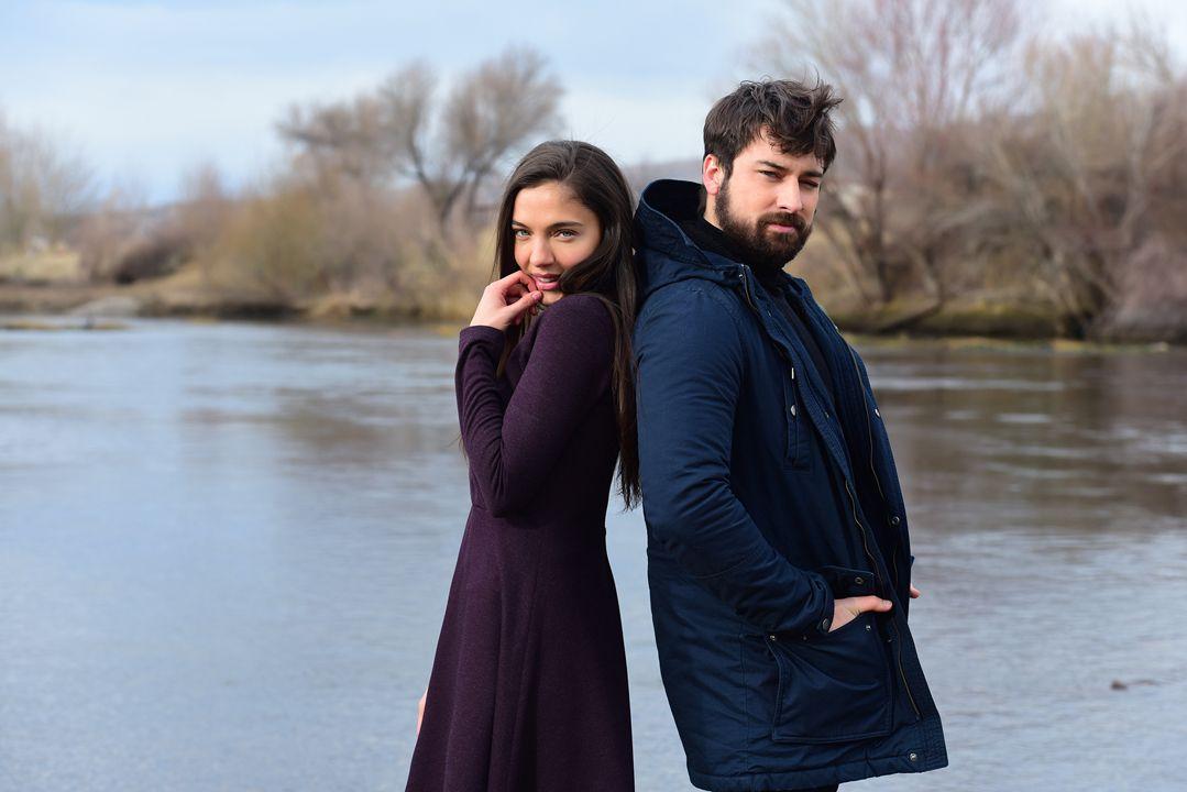 Ünlü şarkıcı Zümrüdüanka için türkü söyleyecek - Sayfa:1