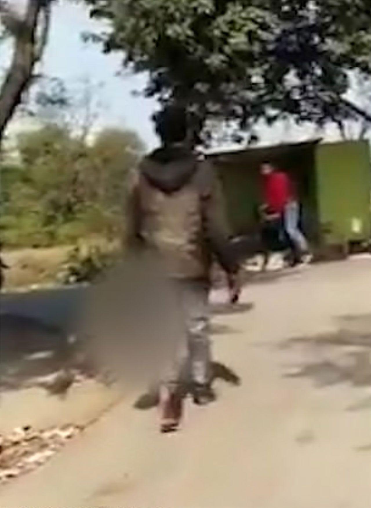 Hindistan'da karısını öldüren adam, karısının kafasını kesip yanına aldıktan sonra karakola kadar yürüdü - Sayfa:2