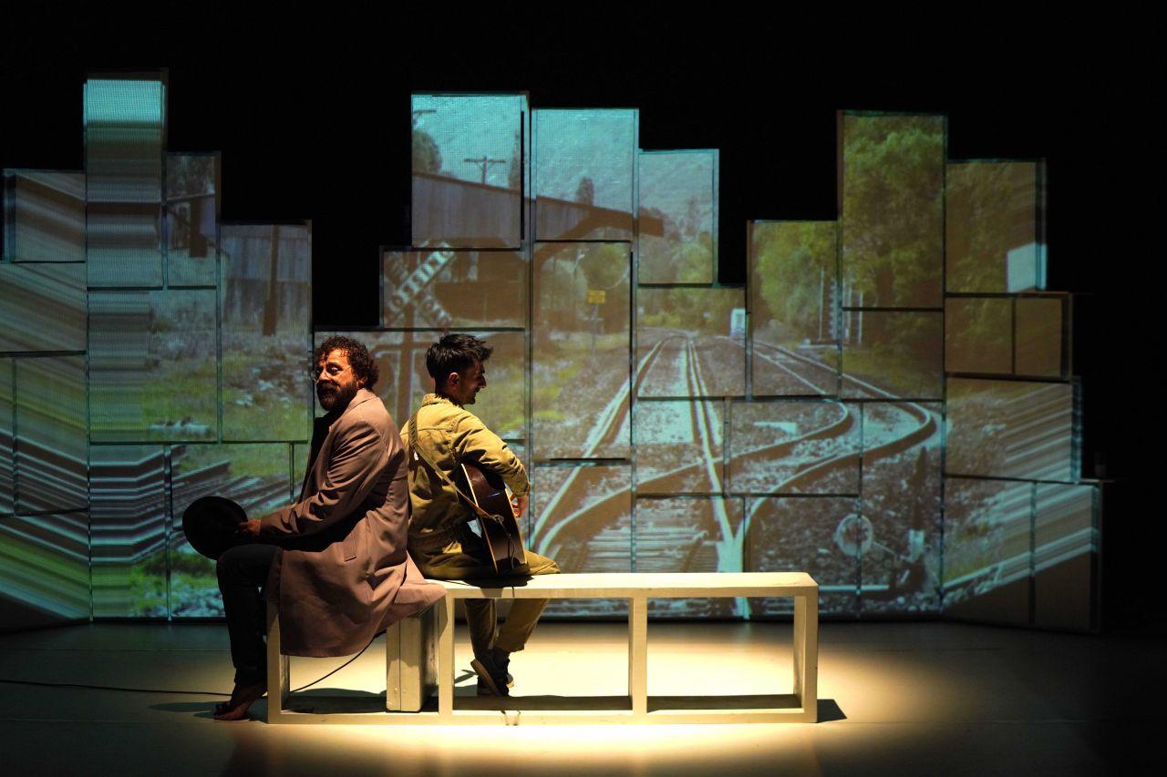 Reha Özcan'ın yeni oyunu tiyatroseverlerle buluştu - Sayfa:4