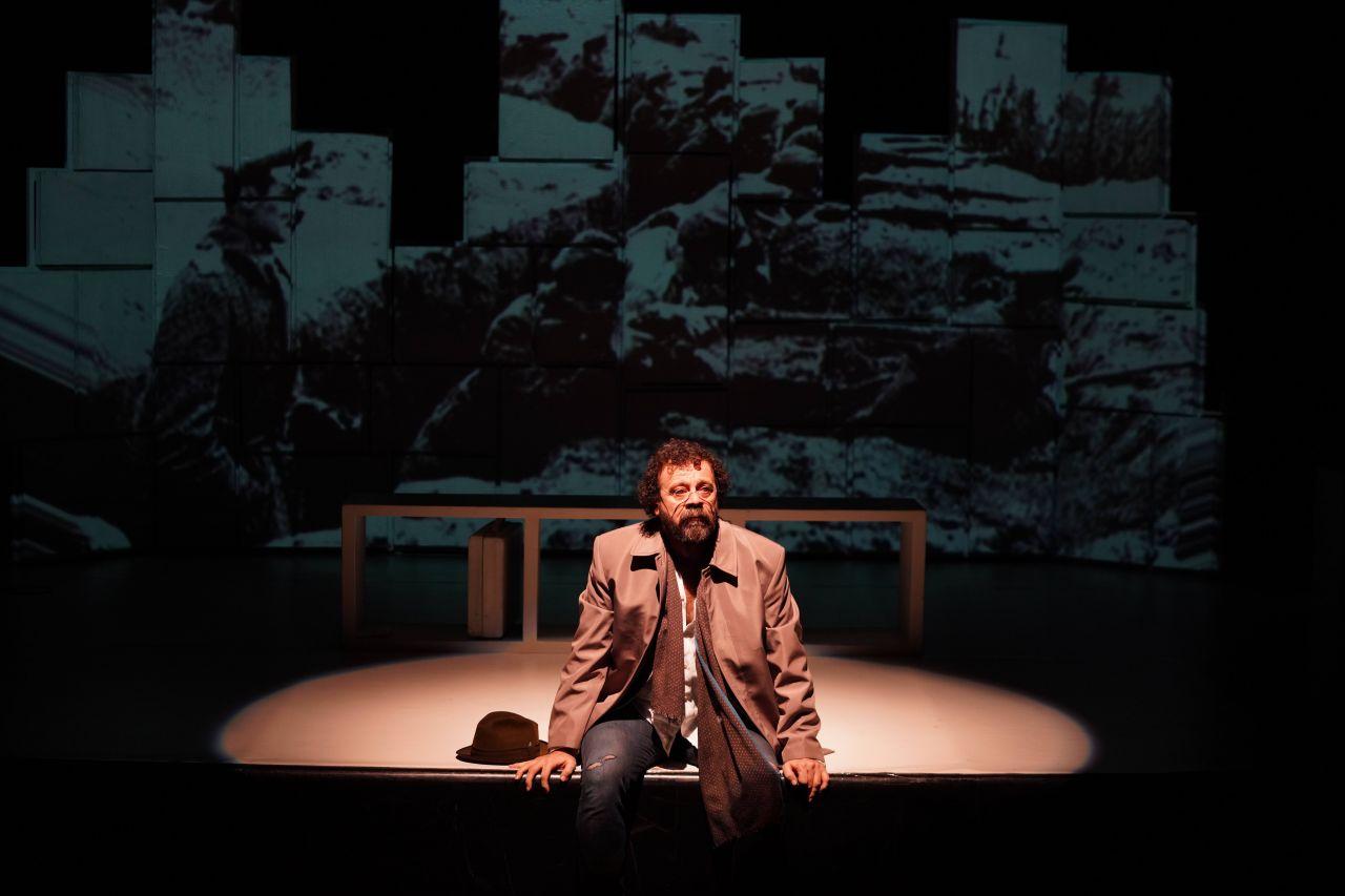Reha Özcan'ın yeni oyunu tiyatroseverlerle buluştu - Sayfa:3
