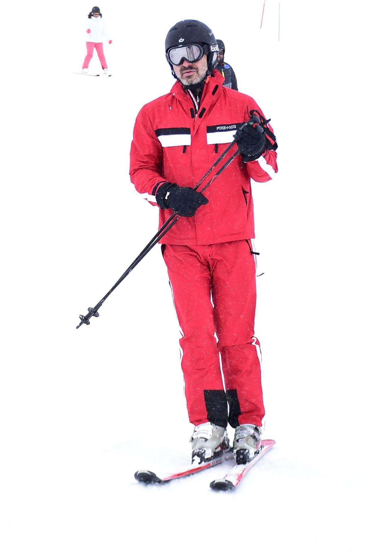 Berrak Tüzünataç ve Berk Suyabatmaz'ın kayak keyfi - Sayfa:2