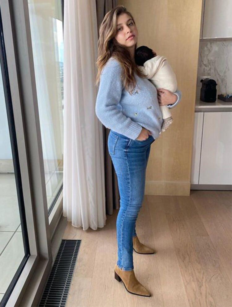 Bebeğini emzirirken fotoğraf paylaştı - Sayfa:3