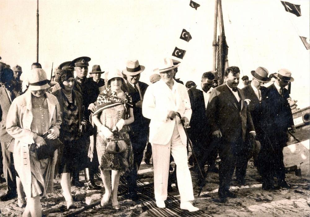 23 Nisan'a özel yayınlandı... Atatürk'ün arşivlerden çıkan son fotoğrafları! - Sayfa:2