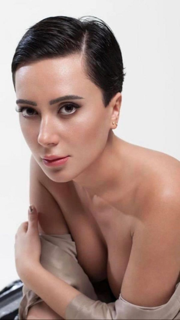 Türk şarkıcının Audrey Hepburn benzerliği! - Sayfa:1