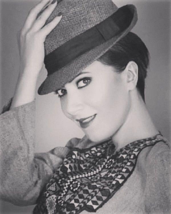 Türk şarkıcının Audrey Hepburn benzerliği! - Sayfa:2