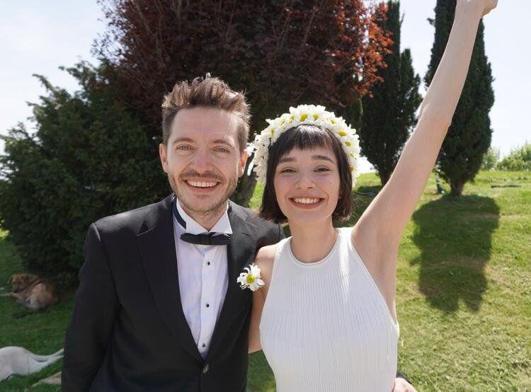 Ünlü oyuncu Serkan Şenalp ile Esengül Yılmaz evlendi - Sayfa:1