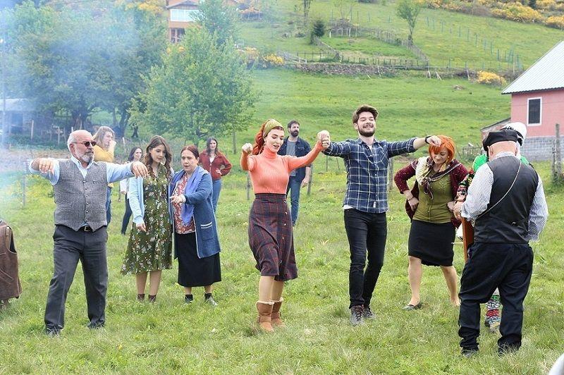 Kuzey Yıldızı İlk Aşk'ın başrol oyuncularından sezona veda - Sayfa:1
