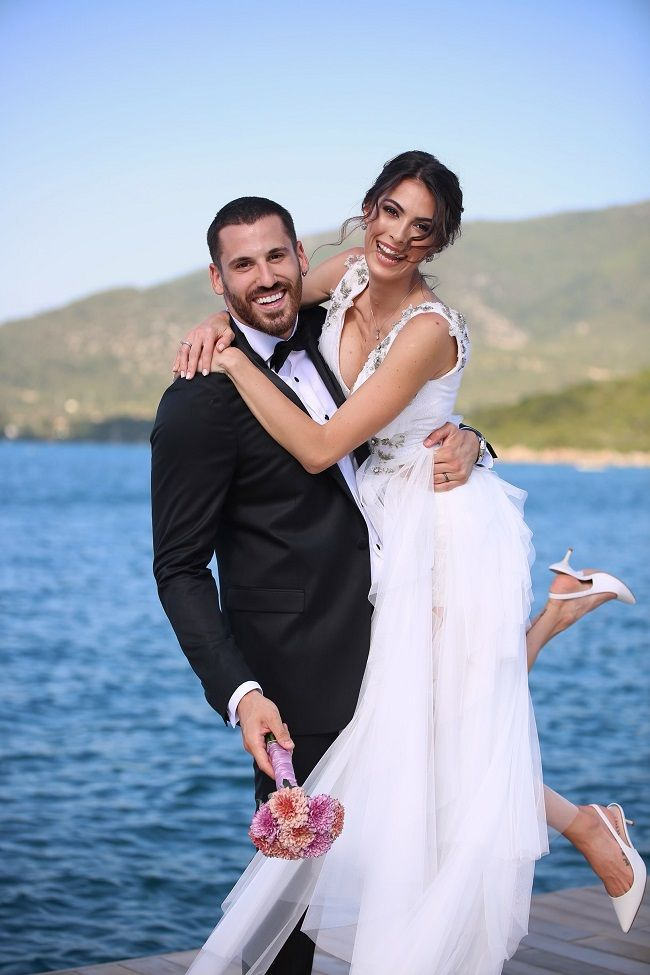 Ünlü sunucu ile basketbolcu evlendi - Sayfa:1