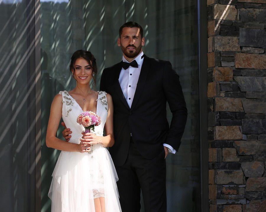 Ünlü sunucu ile basketbolcu evlendi - Sayfa:2