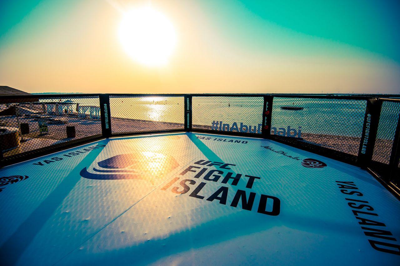 Dövüş Adası'nda günün ilk ışıklarıyla 3 kemer maçı - Sayfa:1