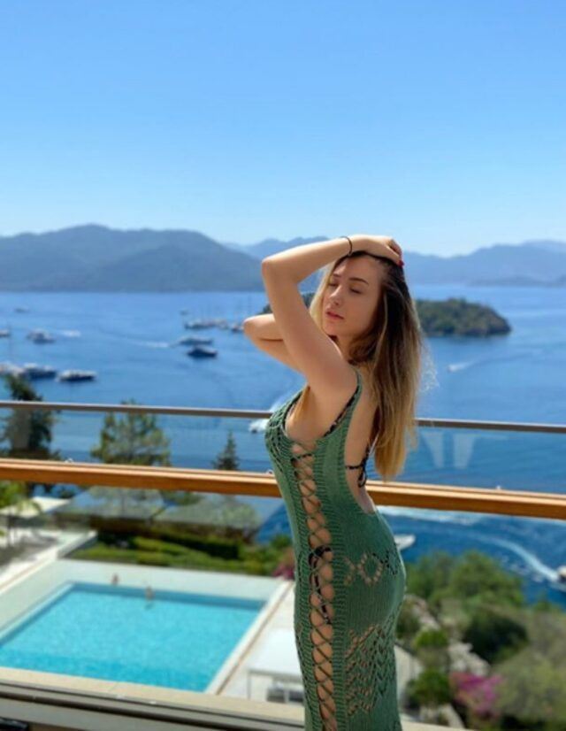 Yasmin Erbil'den cesur tatil pozları - Sayfa:4
