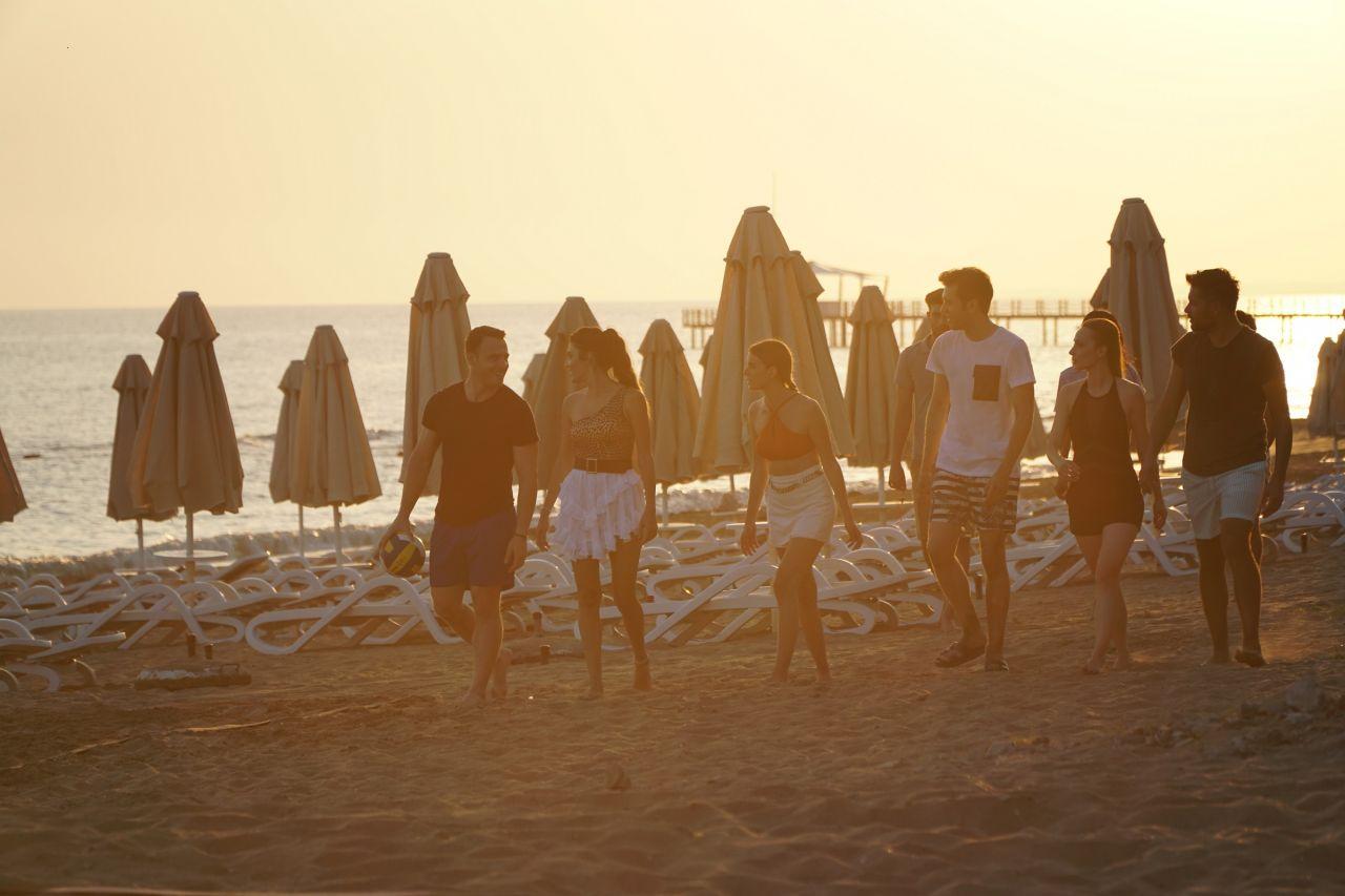 Sen Çal Kapımı çekimleri Antalya'da devam etti - Sayfa:3