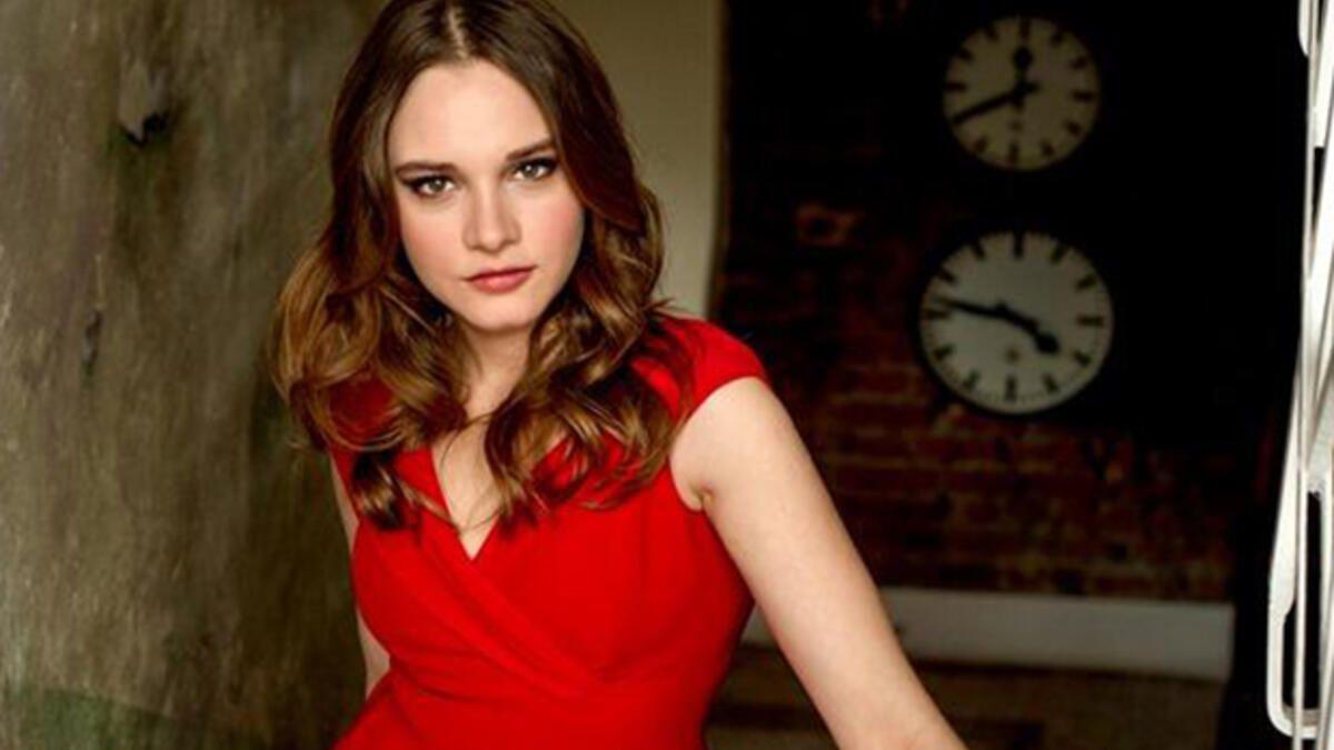 Miray Daner ilk kez o dizide rol almış - Sayfa:1