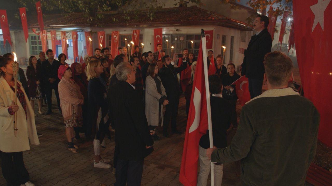 Kalk Gidelim dizisinde Cumhuriyet Bayramı coşkusu! - Sayfa:1