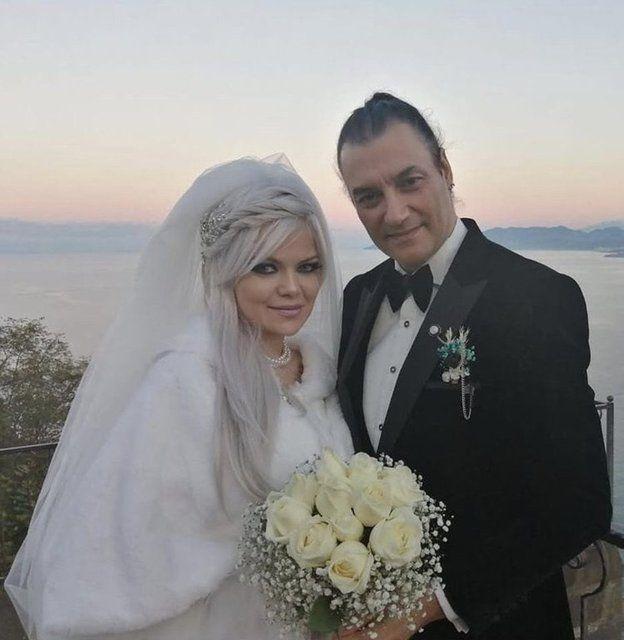 90'lara damga vuran şarkıcı Tayfun evlendi - Sayfa:2