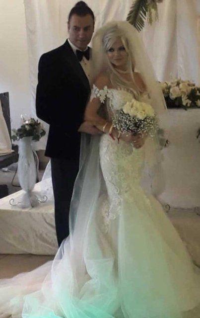90'lara damga vuran şarkıcı Tayfun evlendi - Sayfa:1