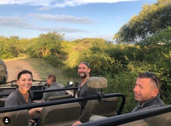 Ünlü çift Afrika'da safari yapıyor - Sayfa:1