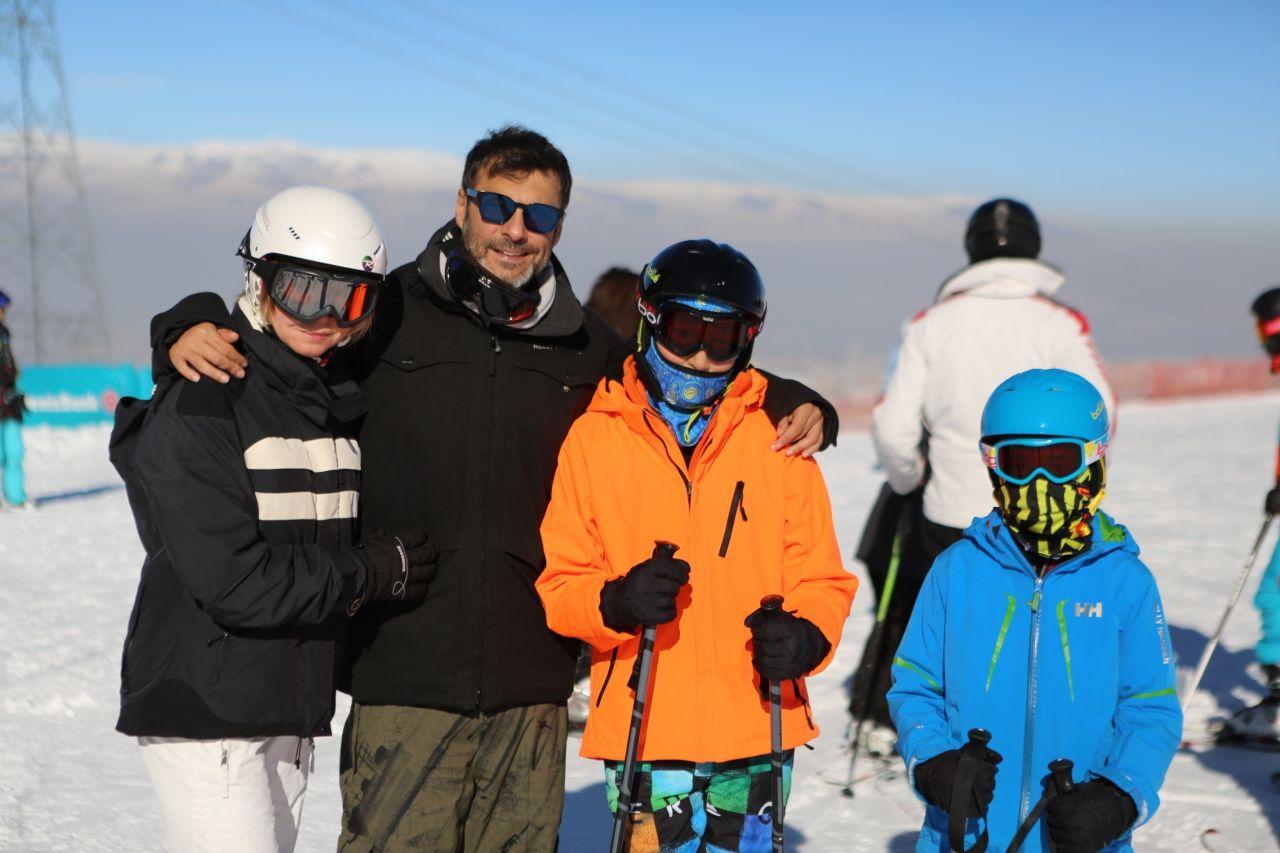 Barış Kılıç'ın ailesiyle kayak keyfi - Sayfa:2