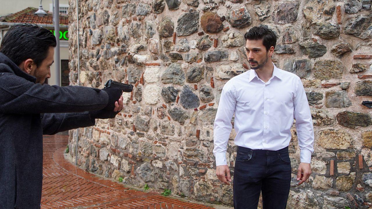 Usta oyuncu Menajerimi Ara'ya konuk oluyor - Sayfa:4