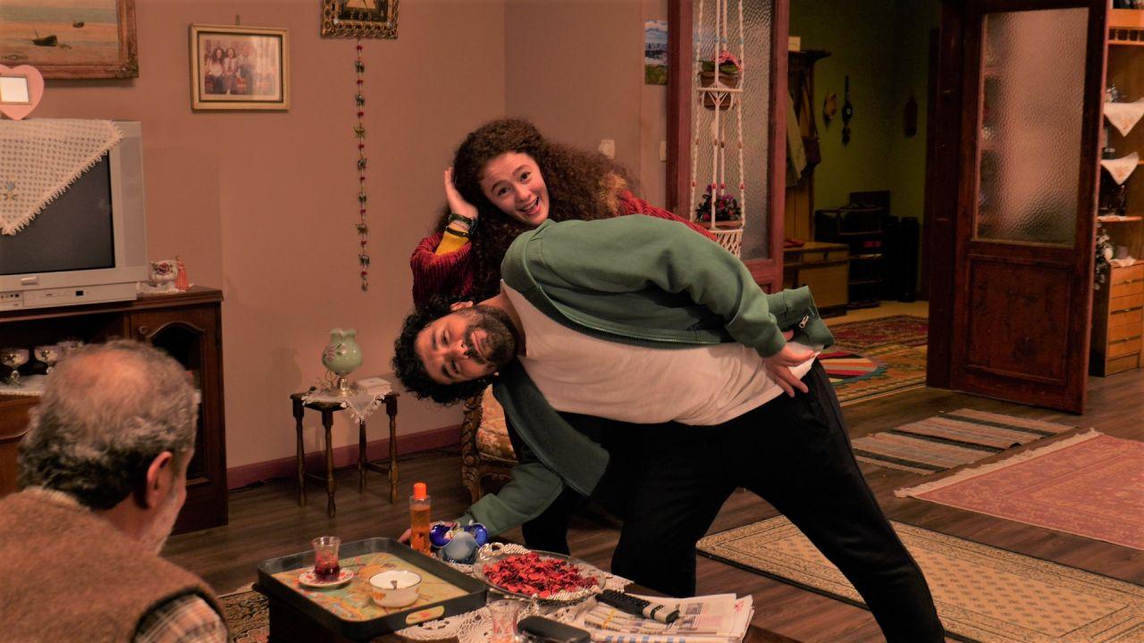 Hasan Can Kaya'nın Bir Yeraltı Sit-com'u dizisinden ilk kareler paylaşıldı! - Sayfa:3