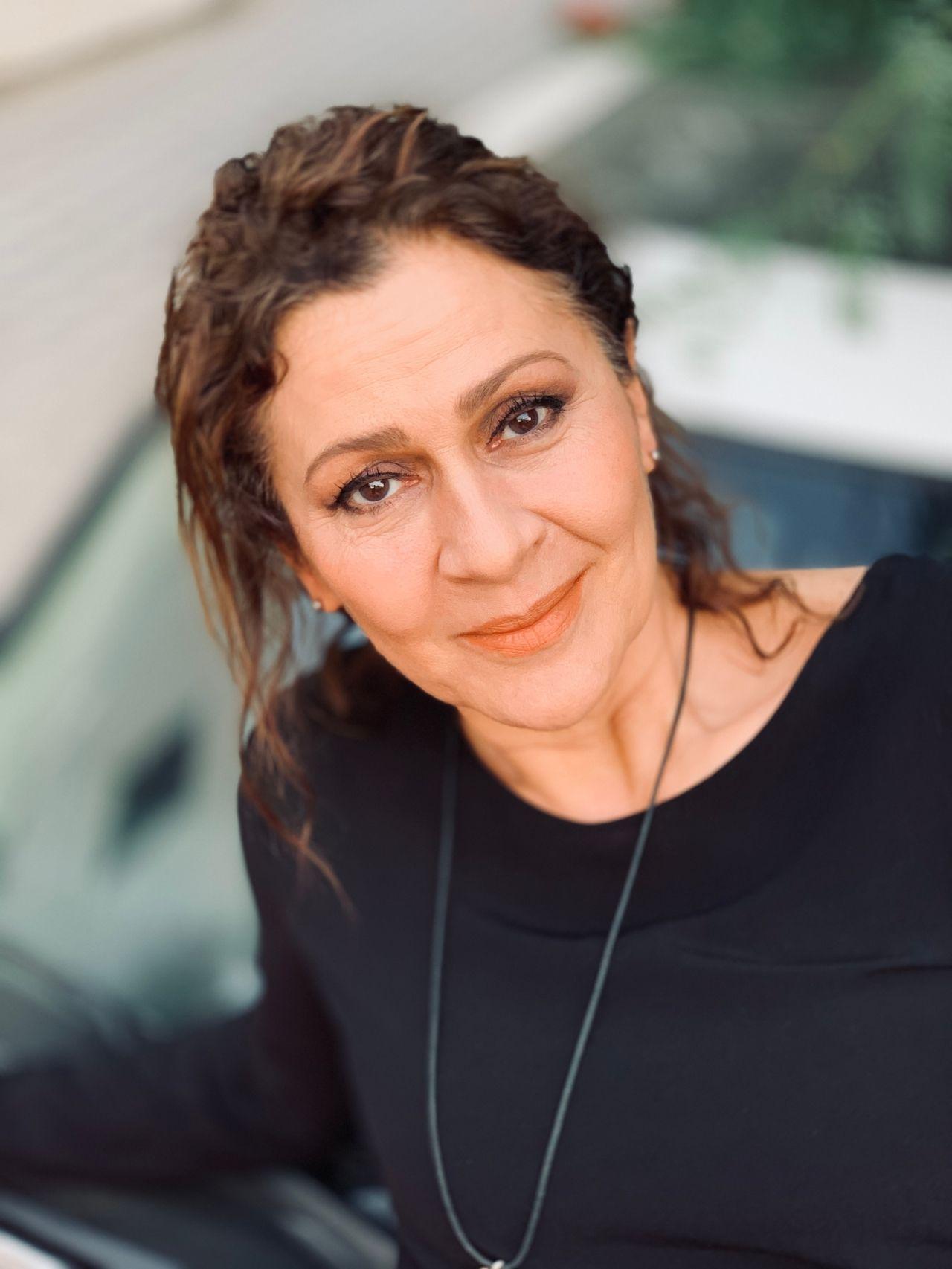 Ünlü oyuncu Gonca Cilasun, MedyaTava'nın sorularını yanıtladı: 'Sefirin Kızı artık bambaşka bir hikaye...' - Sayfa:3