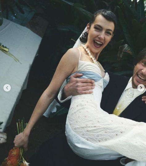 Ünlü oyuncu evlendi - Sayfa:3