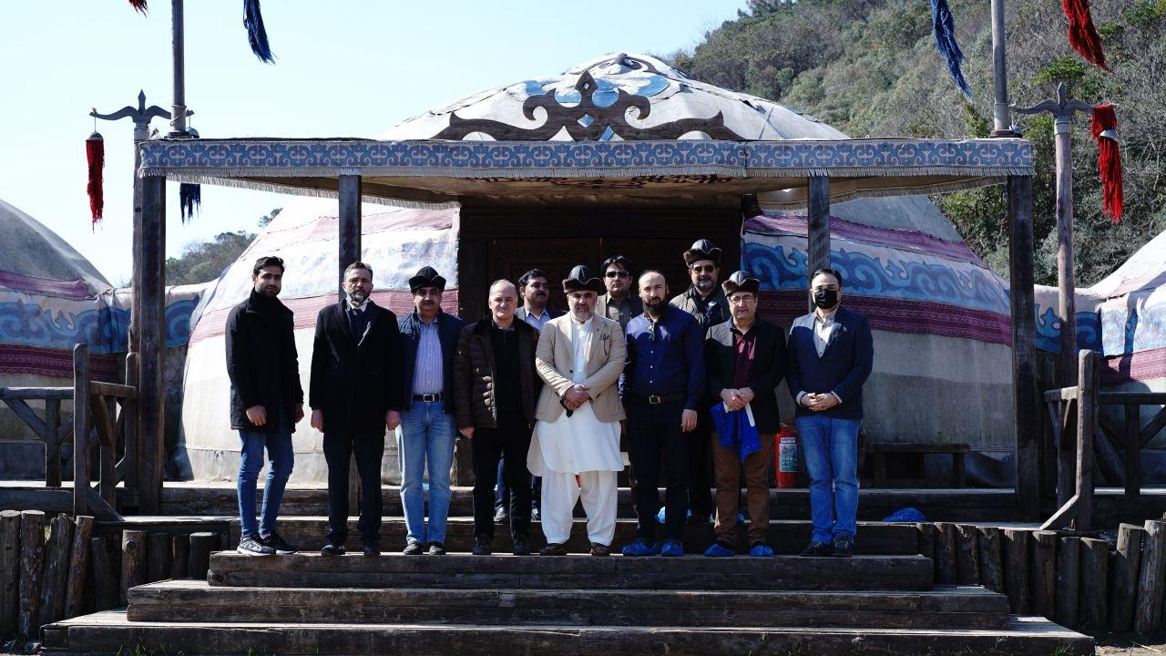 Pakistan Meclis Başkanı 'Kuruluş Osman' setini ziyaret etti - Sayfa:2