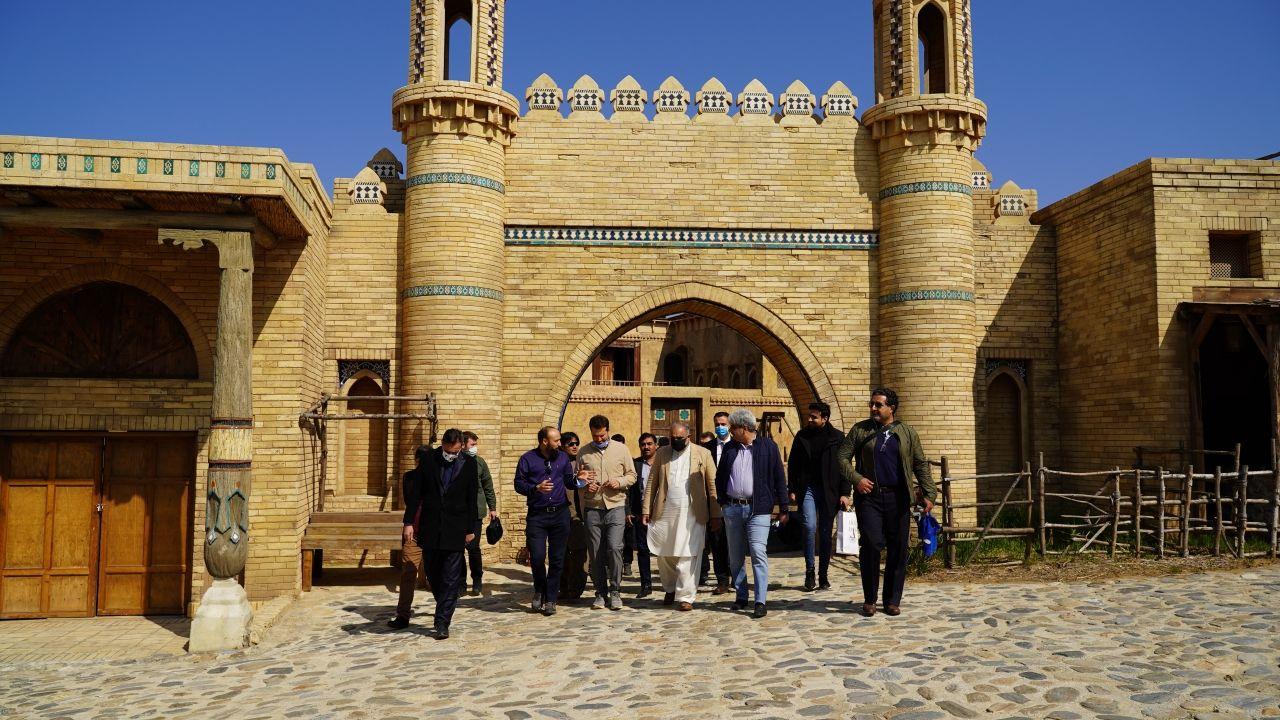 Pakistan Meclis Başkanı 'Kuruluş Osman' setini ziyaret etti - Sayfa:4