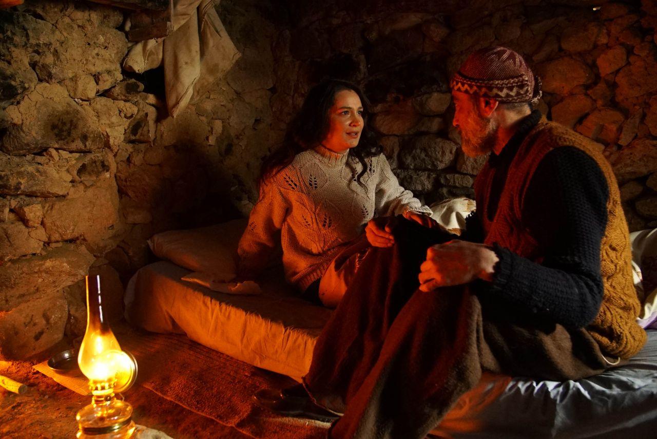 Ünlü oyuncu Gönül Dağı'nda: 'Gönül Dağı, gerçek olayları anlatıyor... Dizide entrikalar, lüks, şatafat, şiddet yok!' - Sayfa:3