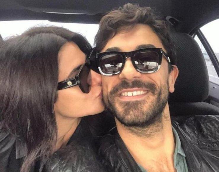 Nesrin Cavadzade ile Gökhan Alkan ayrıldı mı? Her şeyi sildi! - Sayfa:2