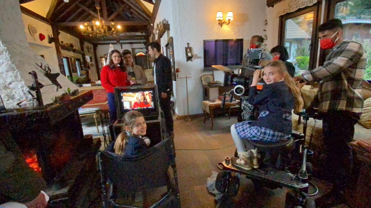 FOX'un çocuk oyuncuları FOX Haber'de ve dizi çekimlerinde görev aldı! - Sayfa:3