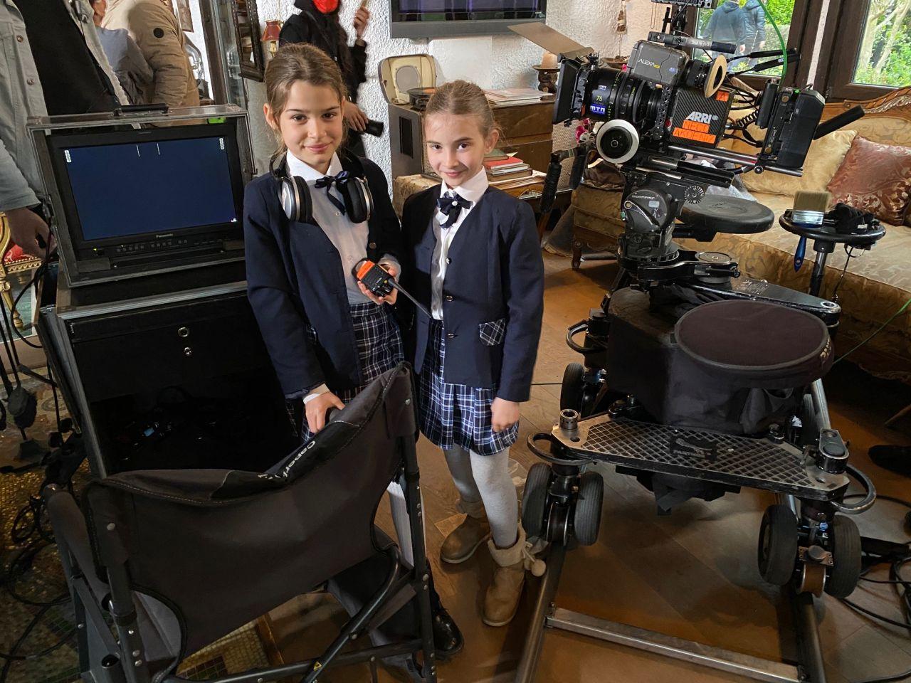 FOX'un çocuk oyuncuları FOX Haber'de ve dizi çekimlerinde görev aldı! - Sayfa:2