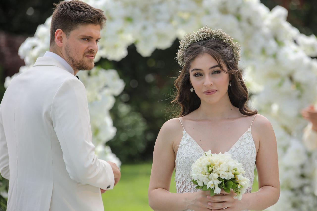 Baht Oyunu dizisinden ilk tanıtım yayınlandı! Ada'nın gerçek aşkı bulma hikayesi yakında Kanal D'de başlıyor - Sayfa:2