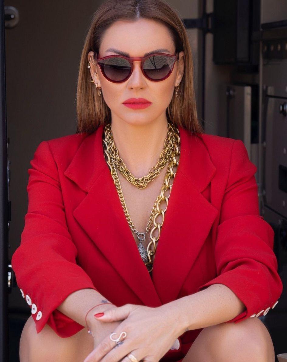 Pınar Altuğ'un yeni imajı olay oldu! Hadise'ye benzetildi - Sayfa:2