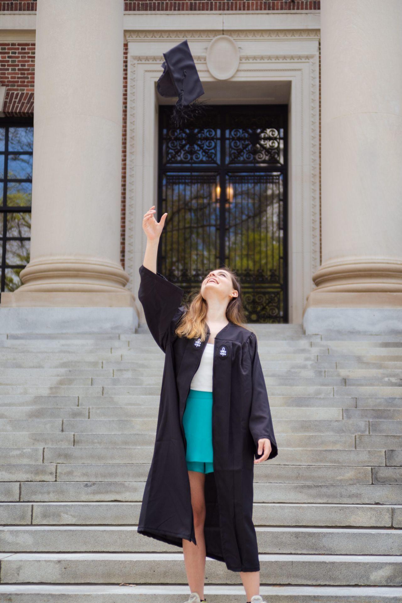 Ece Hakim Harvard'dan yüksek derece ile mezun oldu - Sayfa:3