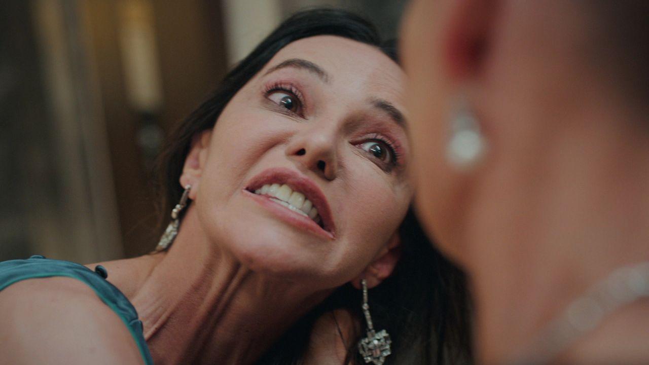 Camdaki Kız sezon finaline damga vuran sahne! Feride'den Cana'ya tehdit - Sayfa:2