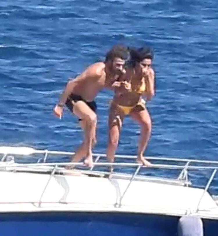 2011 Türkiye güzeli Melisa Aslı Pamuk, Beşiktaşlı futbolcu Oğuzhan Özyakup'u çabuk unuttu, Mustafa Mert Koç'la tekne tatilinde... - Sayfa:4