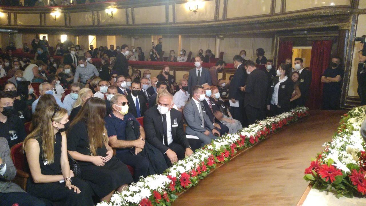 Ferhan Şensoy için Ses Tiyatrosu'nda tören düzenlendi (FOTO GALERİ) - Sayfa:3