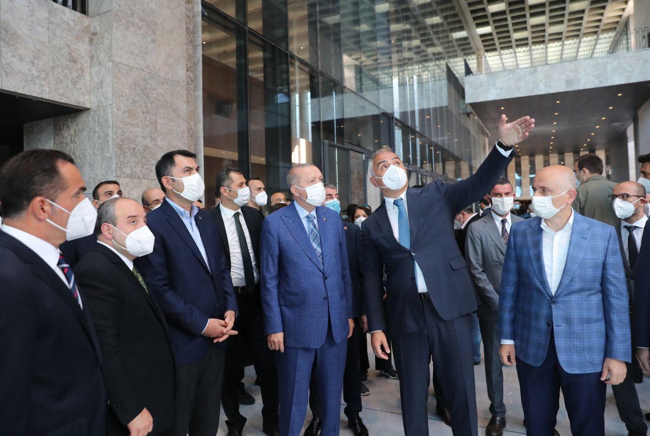 Cumhurbaşkanı Erdoğan, AKM'de incelemelerde bulundu - Sayfa:4