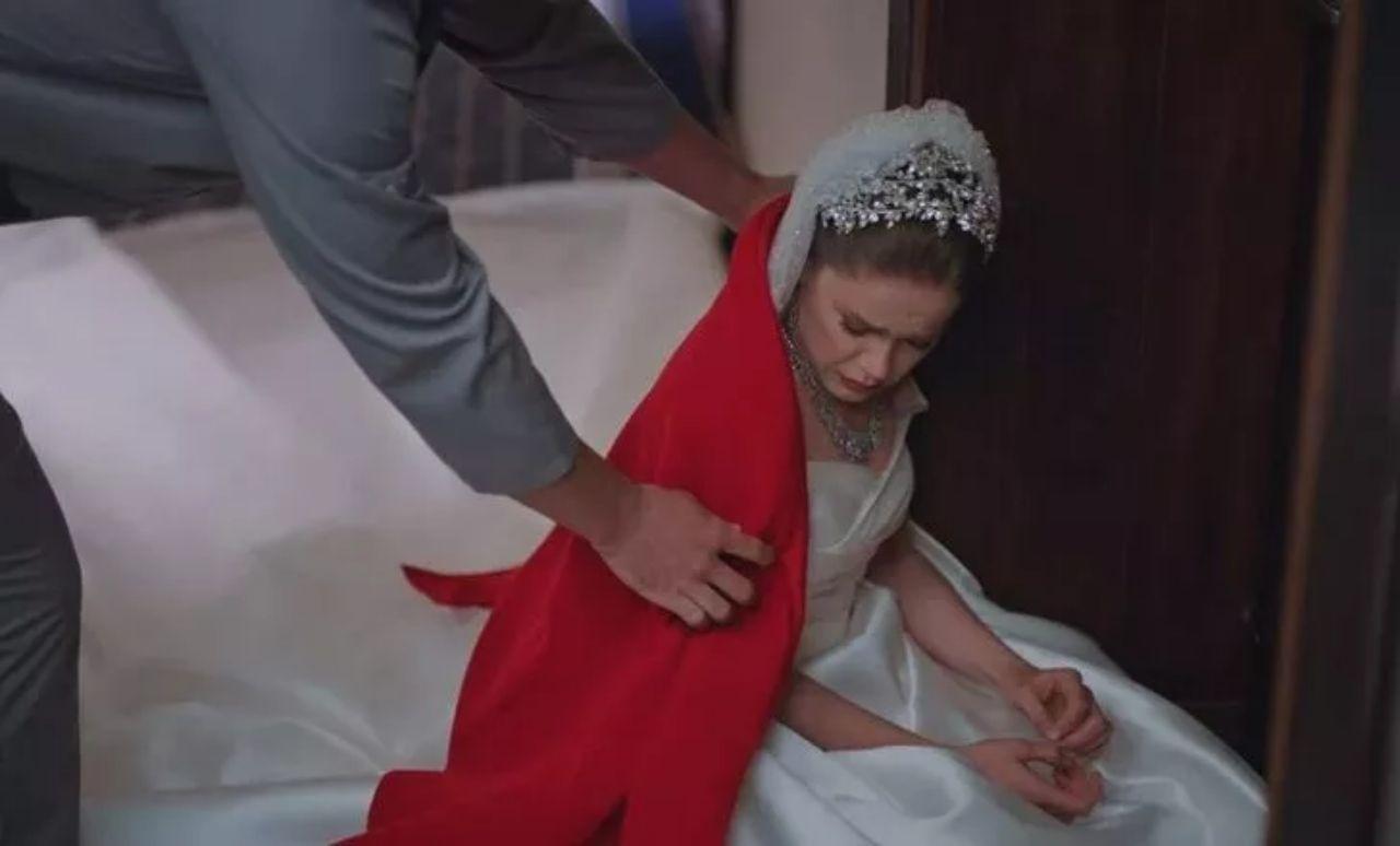 Camdaki Kız dizisinde Hayri bilmecesi çözülüyor! Cihangir Ceyhan rüzgârı esecek - Sayfa:1