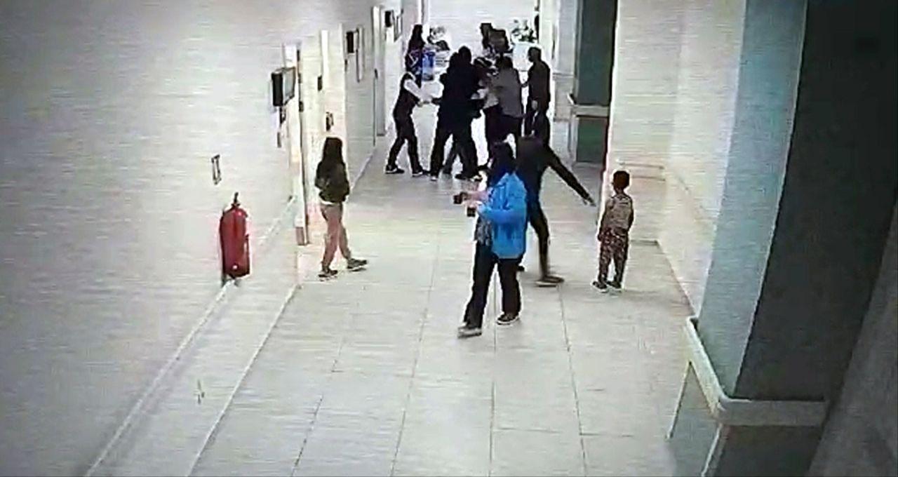 Skandal olay! Isparta'da hasta yakınının doktoru darbettiği anlar kamerada! - Sayfa:4