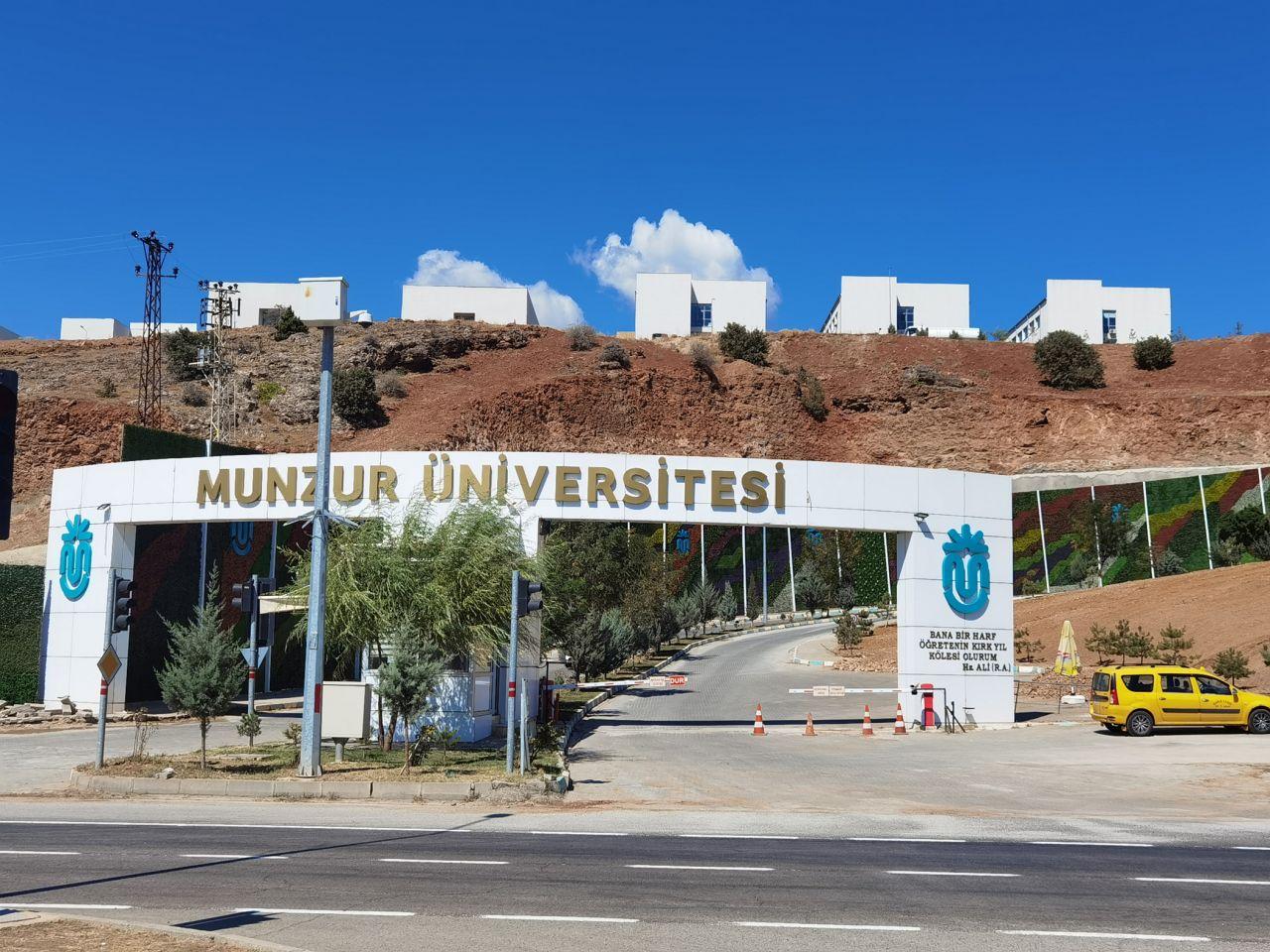 Tunceli'deki Munzur Üniversitesi öğrencileri yüksek ev kiraları için isyan etti. Komünist başkan ev sahiplerine çağrı yaptı, valilik de harekete geçti - Sayfa:2