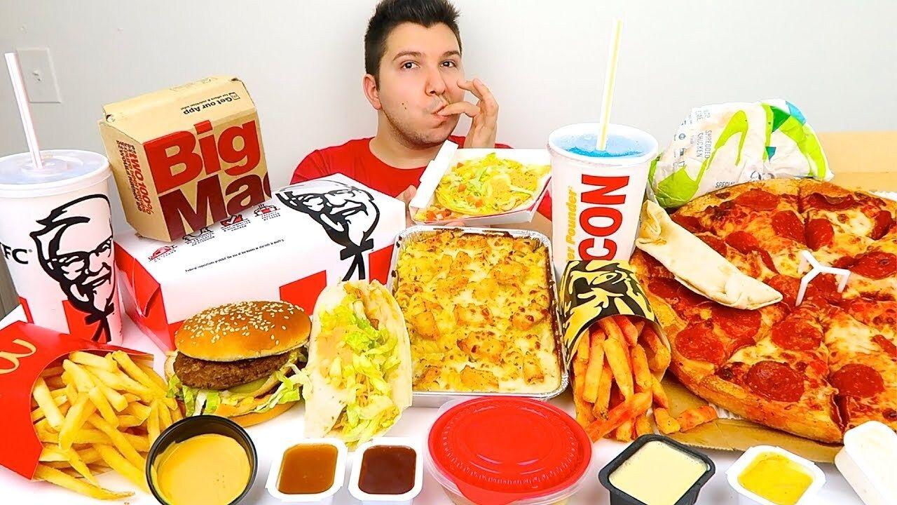 Kamera karşısında yemek yiyerek milyonları kazanıyorlar! Mukbang yarışı devam ediyor... - Sayfa:2