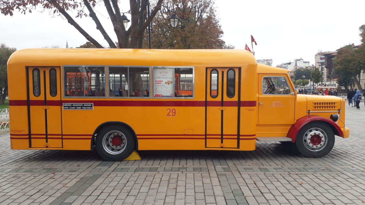 Sultanahmet'te kamyondan dönüştürülen nostaljik otobüse ilgi - Sayfa:4