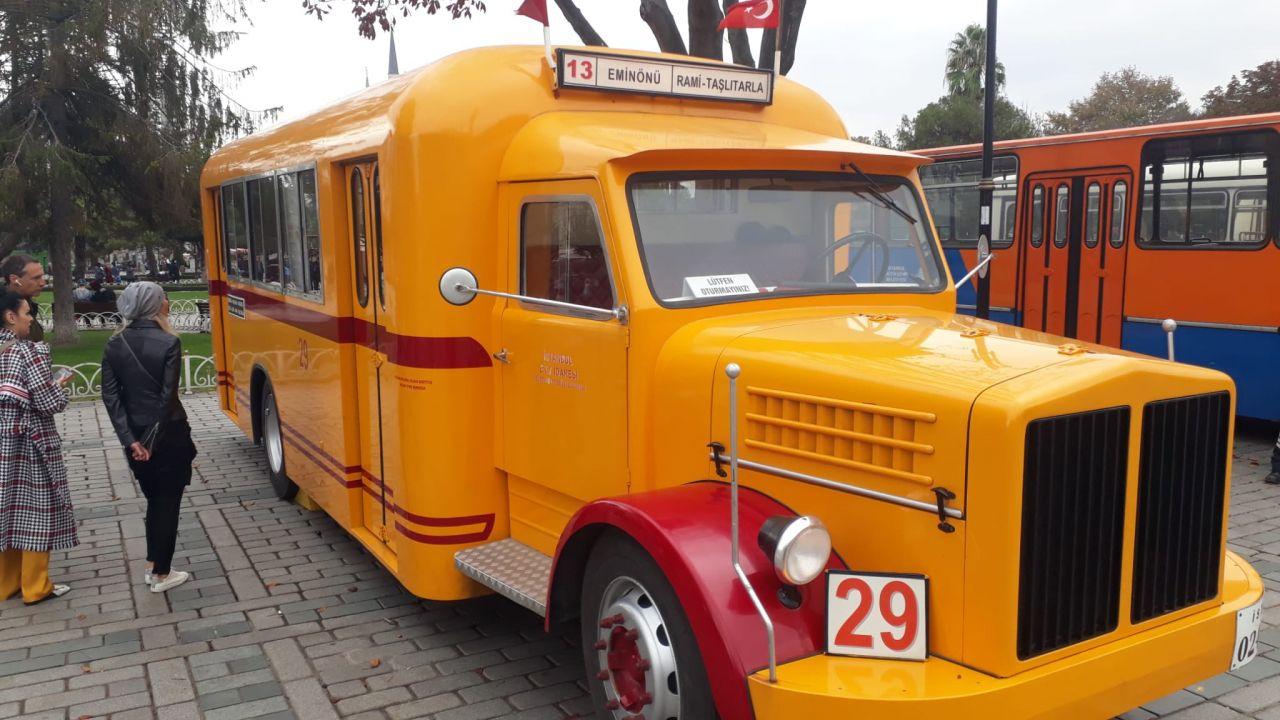 Sultanahmet'te kamyondan dönüştürülen nostaljik otobüse ilgi - Sayfa:1