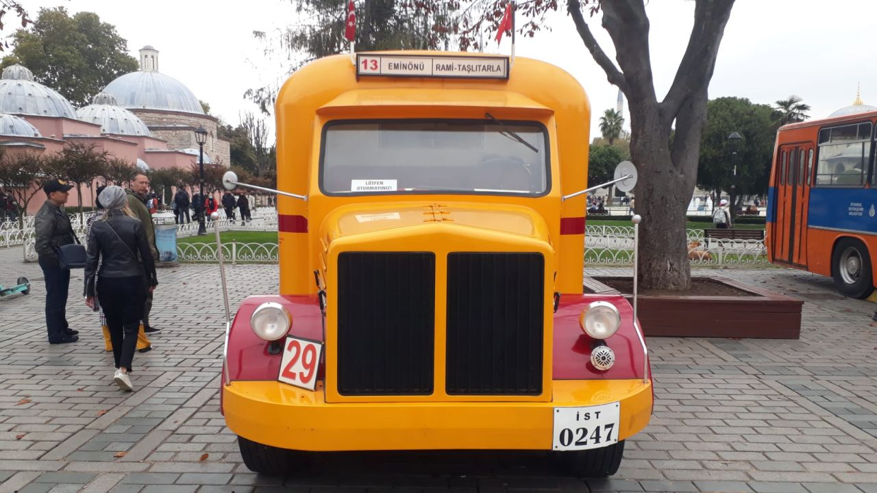Sultanahmet'te kamyondan dönüştürülen nostaljik otobüse ilgi - Sayfa:3