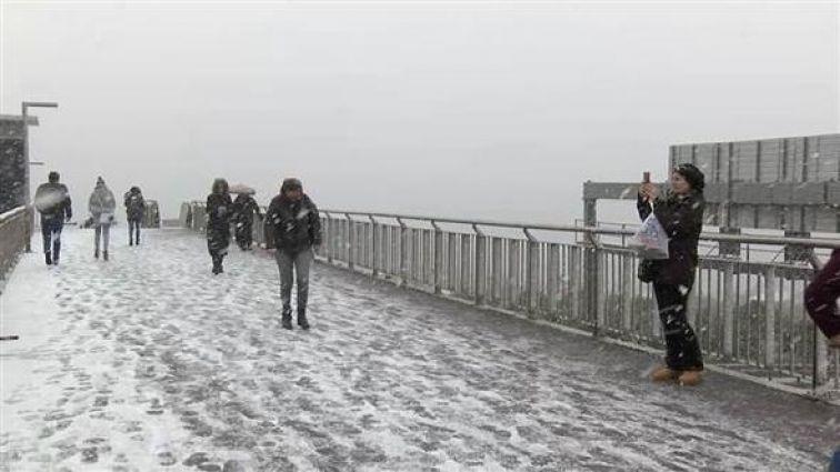 Yılın ilk karı göründü! İşte, İstanbul ve Ankara'dan beyaz manzaralar... - Sayfa:1